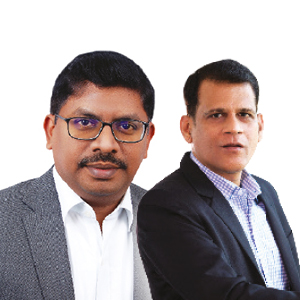 (L to R) Ravi Shankar, Director-Technical Operations, Aosta Software Technologies, Abhijeet Pawar, Country General Manager, R1 RCM