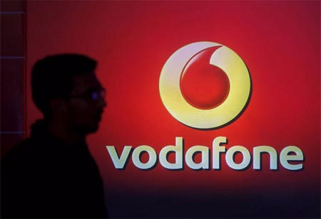 Google aims for 5% stake in Vodafone Idea, Several more India investments
